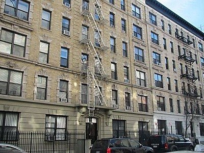 The Park Central At 220 West 111th Street In Harlem