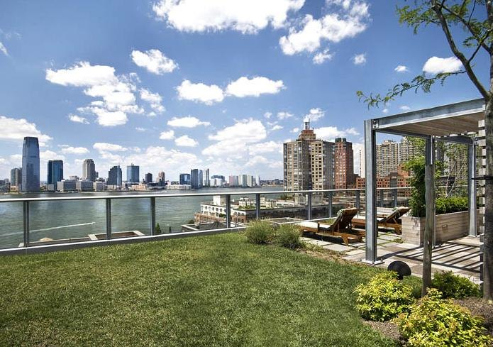 The Visionaire At 70 Little West Street In Battery Park