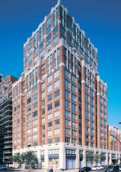 Wellington Tower At 350 East 82nd Street In Upper East
